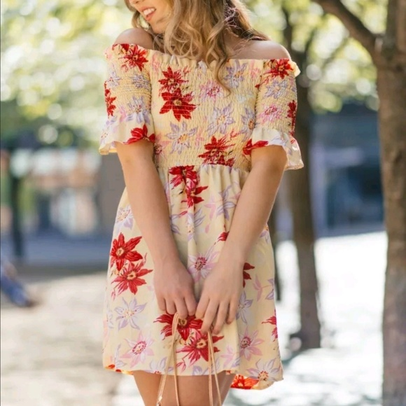 Topshop Dresses & Skirts - NWT TopShop 2 Lemon Floral Bardot Dress